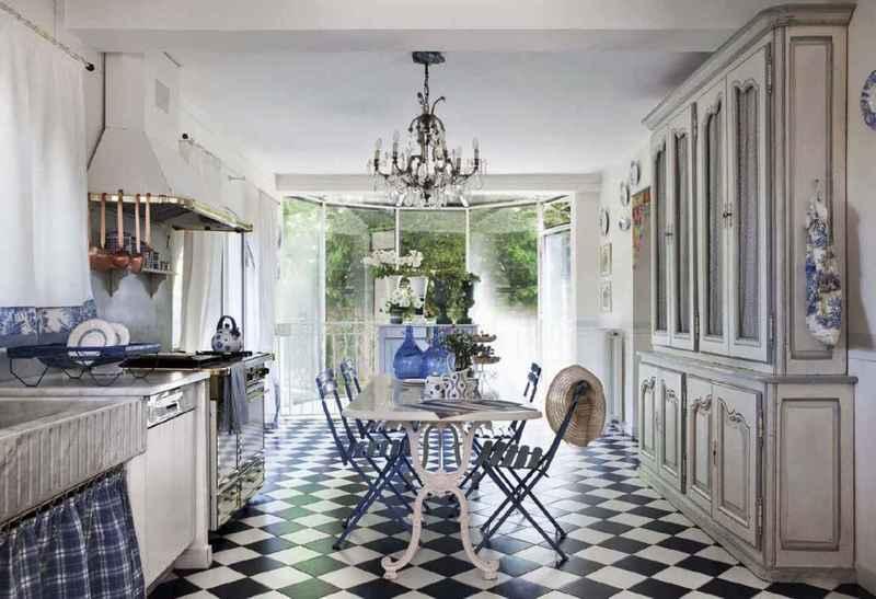 кухня прованс в светлых тонах