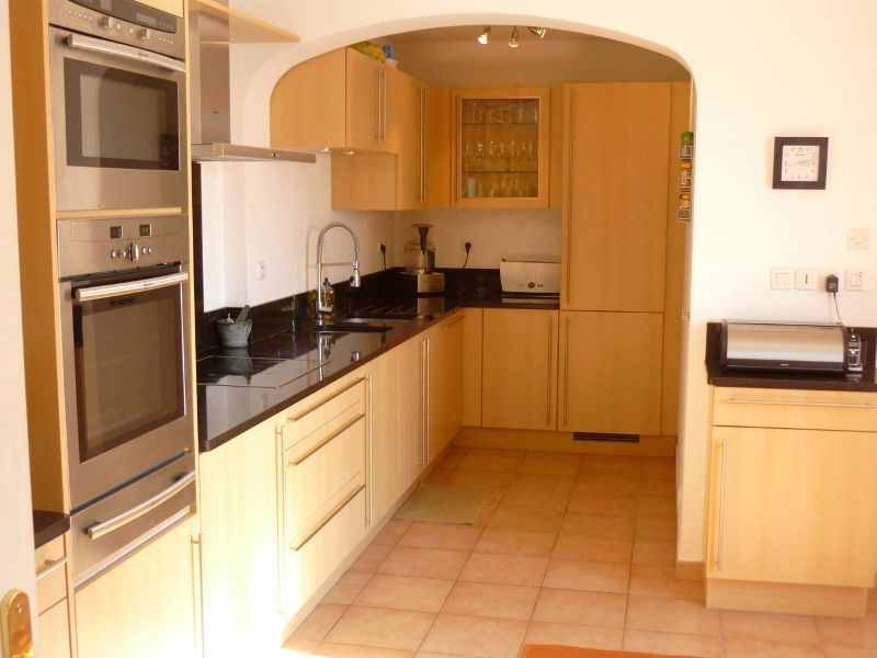 Кухня модерн 26
